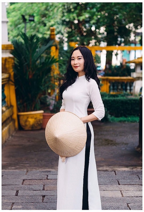 Gai Binh Dinh cam roi danh chong